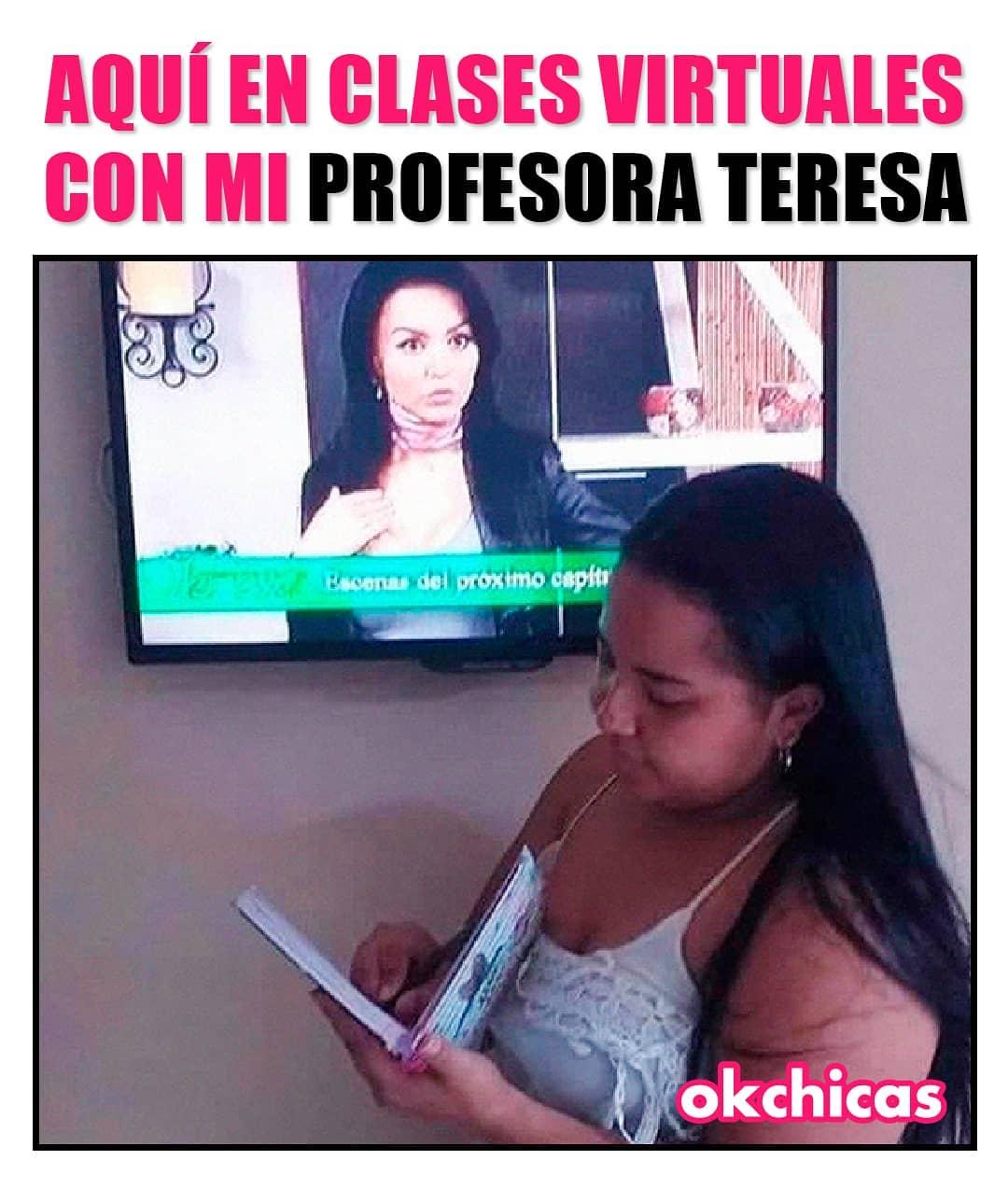 Aquí en clases virtuales con mi profesora Teresa.