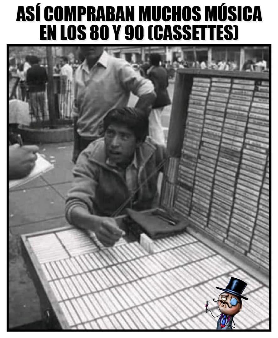 Así compraban muchos música en los 80 y 90 (cassettes).