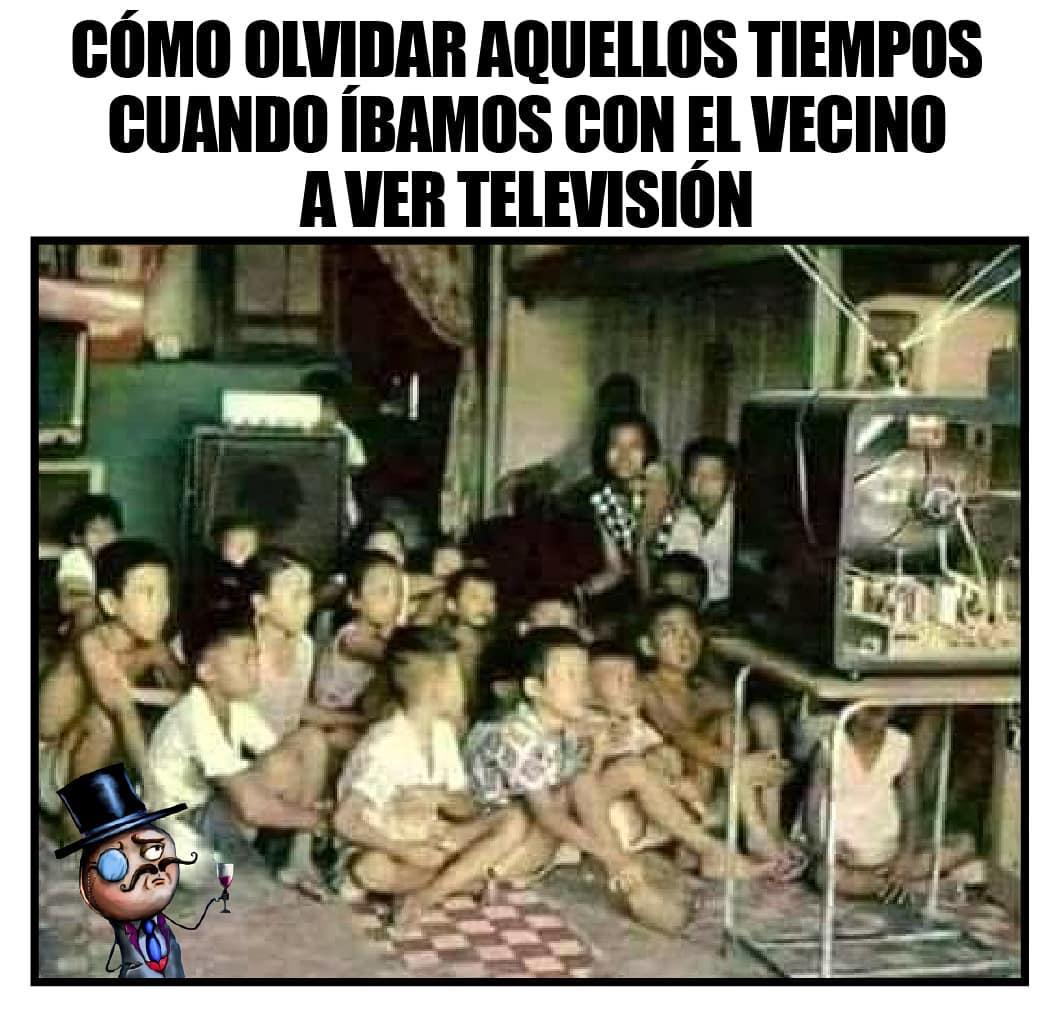 Como olvidar aquellos tiempos cuando íbamos con el vecino a ver televisión.