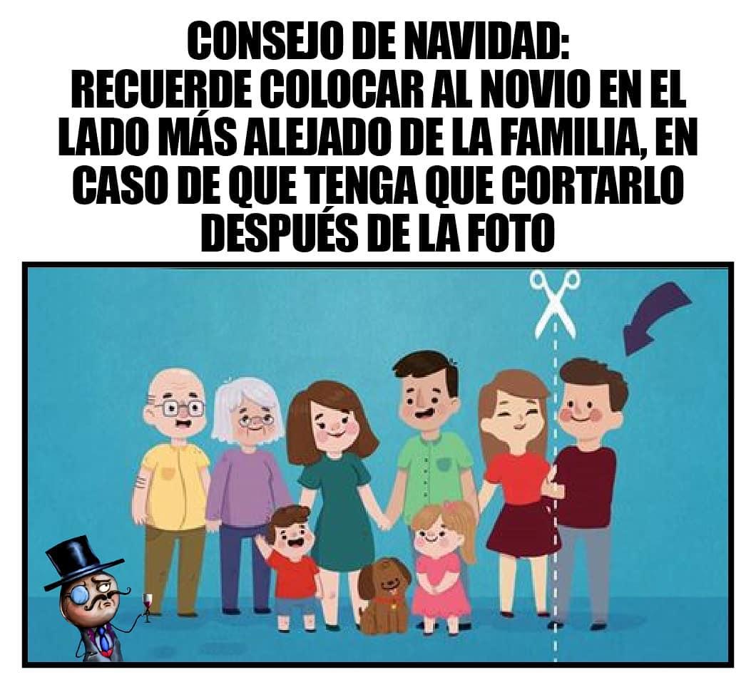 Consejo de Navidad: Recuerde colocar al novio en el lado más alejado de la familia, en caso de que tenga que cortarlo después de la foto.