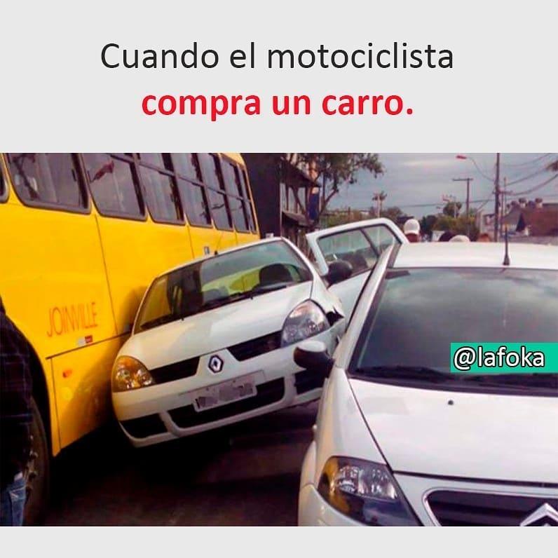 Cuando el motociclista compra un carro.