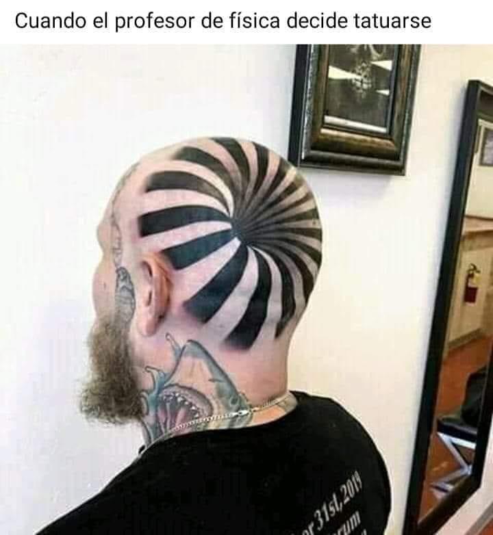 Cuando el profesor de física decide tatuarse.