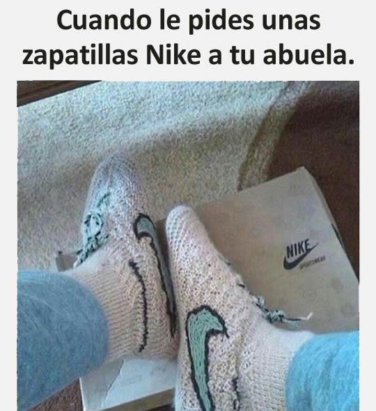 Cuando le pides unas zapatillas Nike a tu abuela.