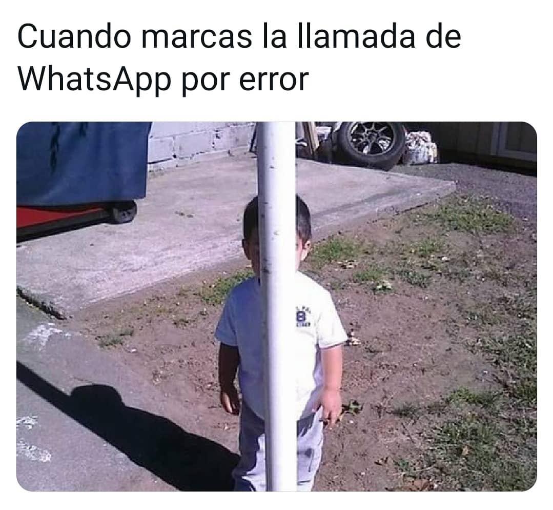 Cuando marcas la llamada de WhatsApp por error.