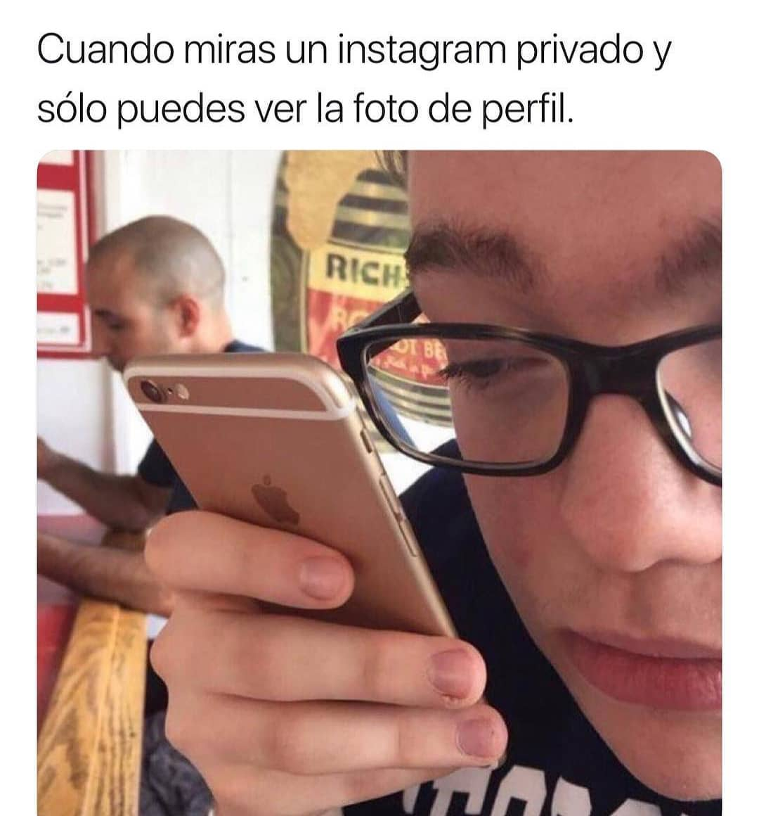 Cuando miras un instagram privado y sólo puedes ver la foto de perfil.