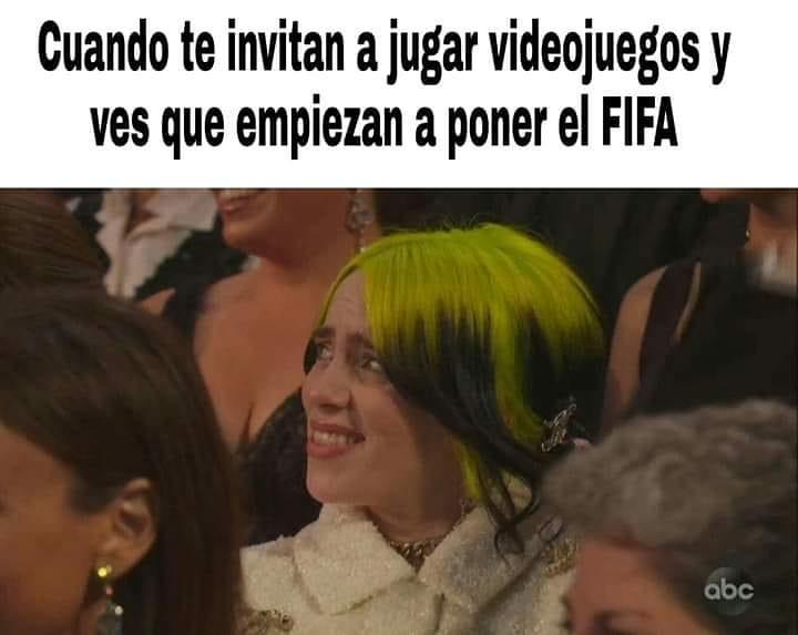 Cuando te invitan a jugar videojuegos y ves que empiezan a poner el FIFA.