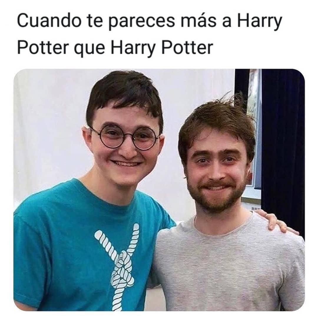 Cuando te pareces más a Harry Potter que Harry Potter.