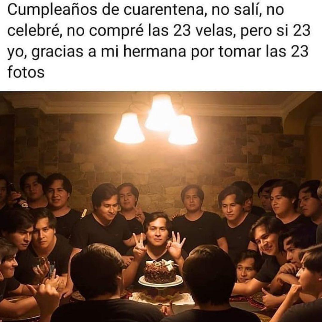 Cumpleaños de cuarentena, no salí, no celebré, no compré las 23 velas, pero si 23 yo, gracias a mi hermana por tomar las 23 fotos.