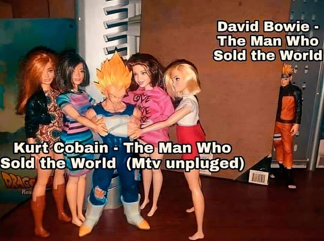 David Bowie. The man who sold the world.  Kurt Cobain. The man who sold the world. (Mtv unpluged)