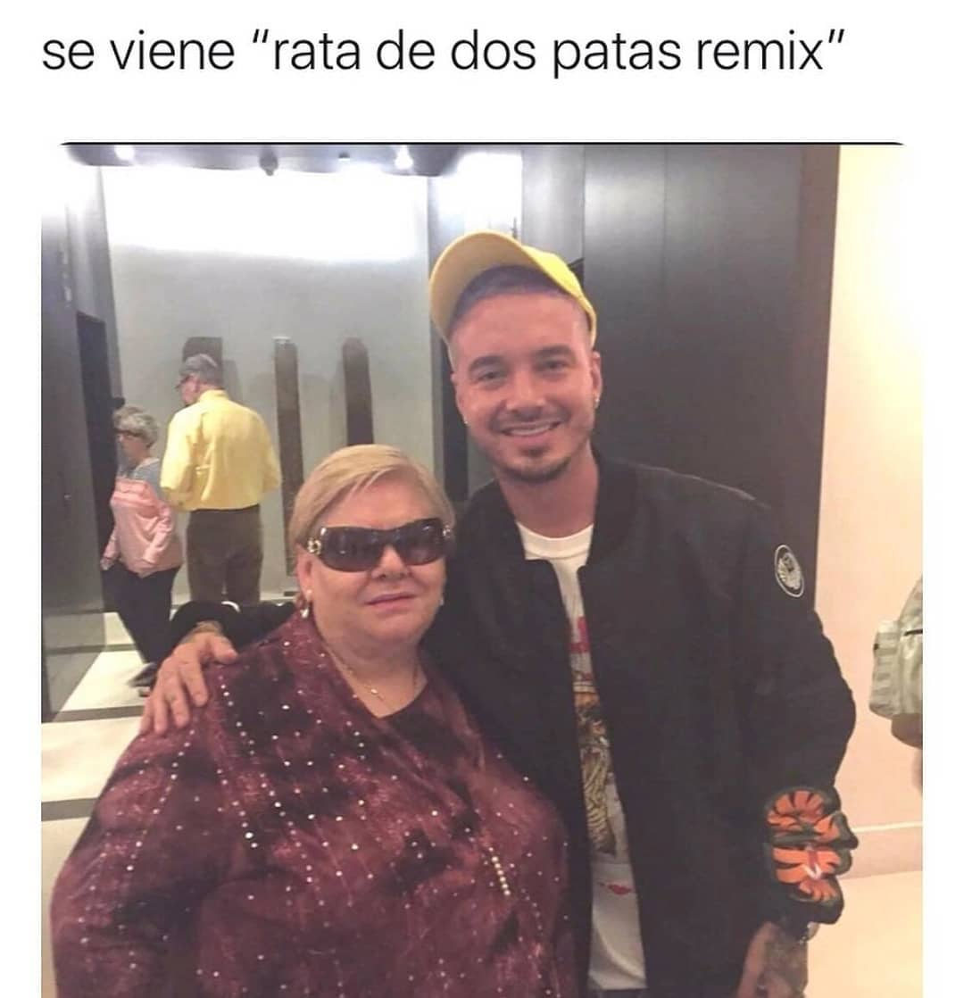 "De viene ""rata de dos patas remix""."