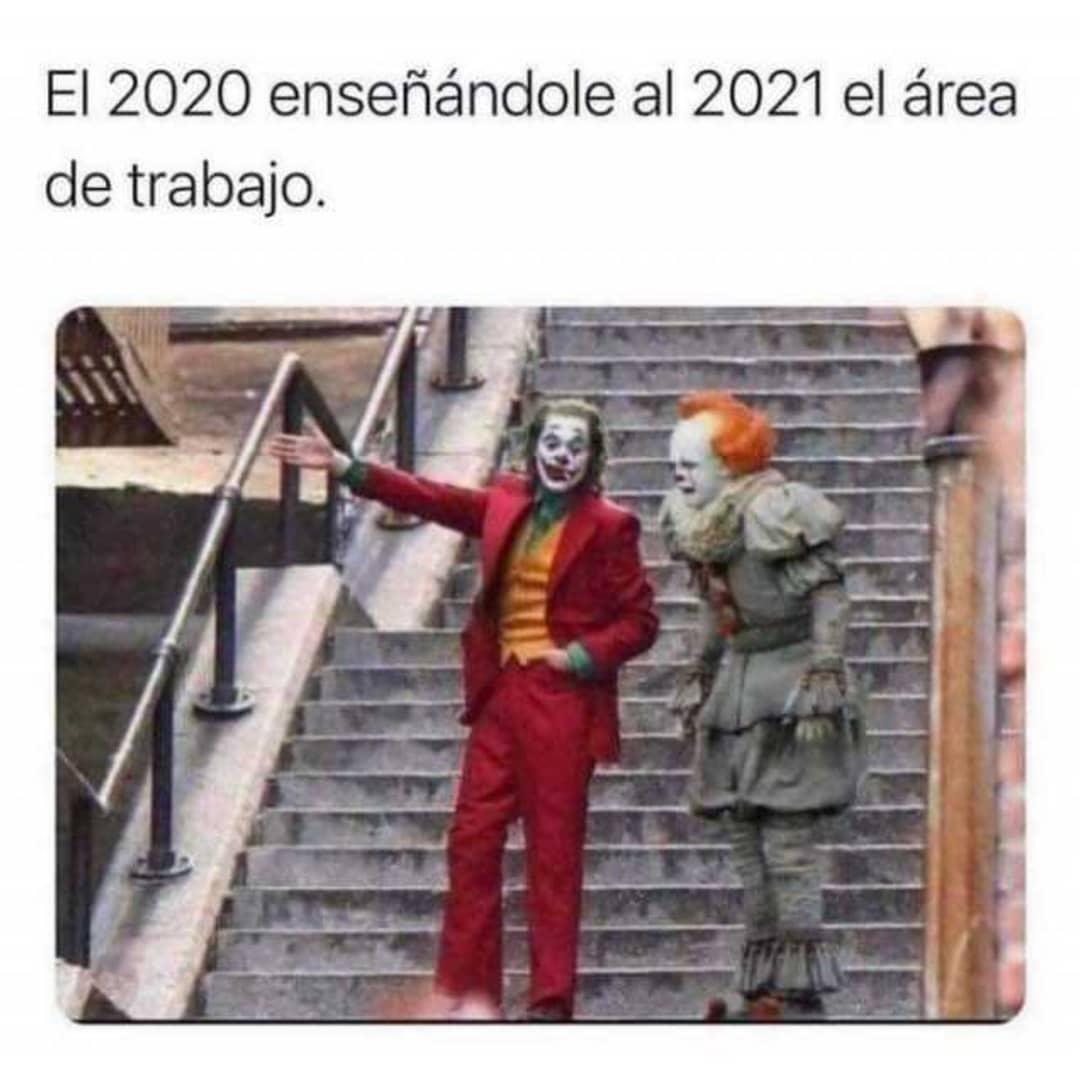 El 2020 enseñándole al 2021 el área de trabajo.