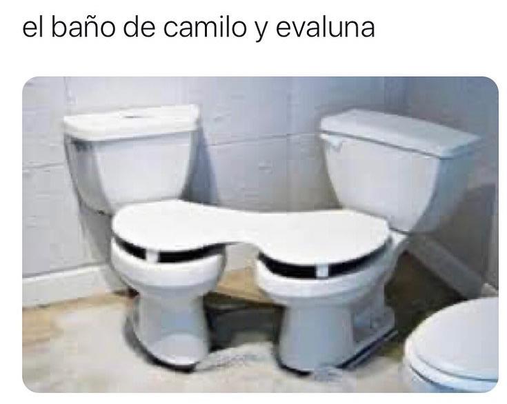 El baño de camilo y evaluna.