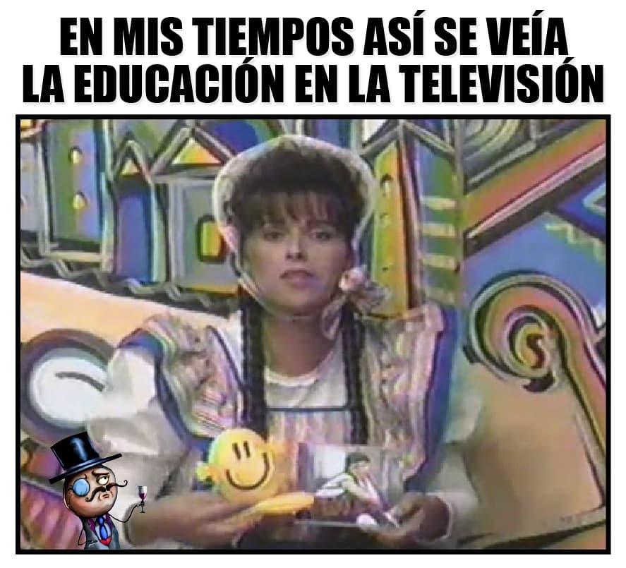 En mis tiempos así se veía la educación en la televisión.