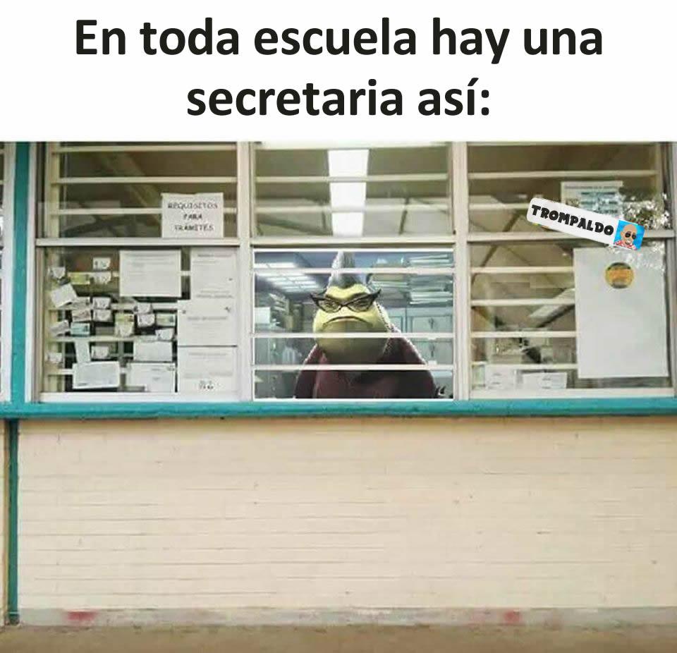 En toda escuela hay una secretaria así: