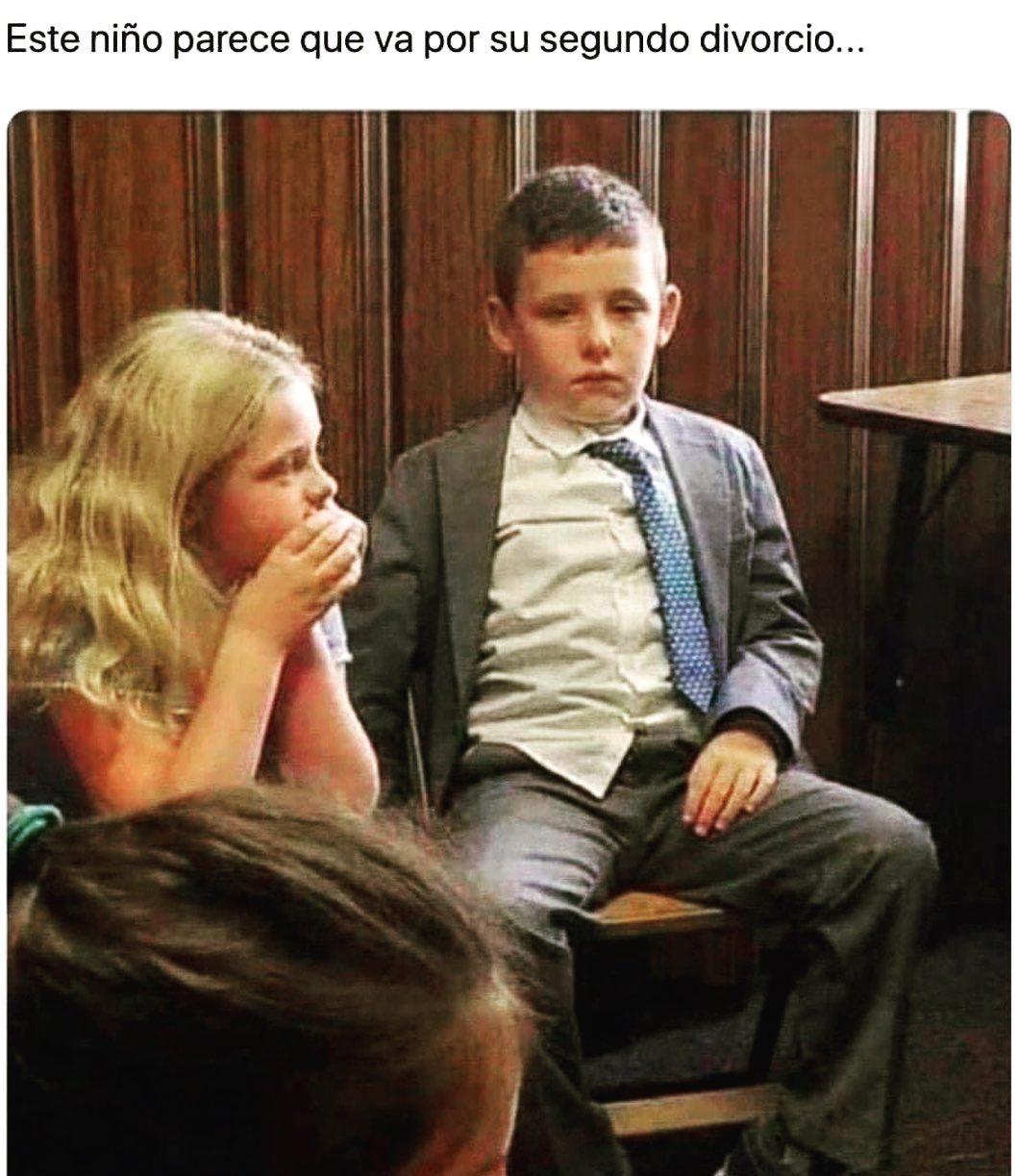Este niño parece que va por su segundo divorcio...