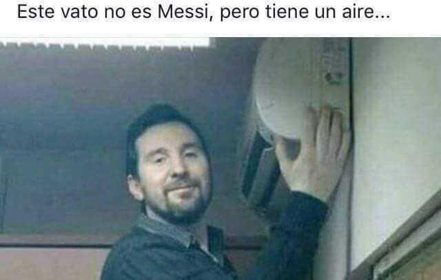 Este vato no es Messi, pero tiene un aire...