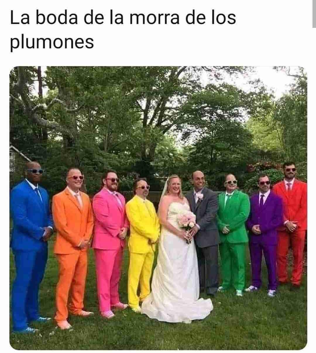 La boda de la morra de los plumones.
