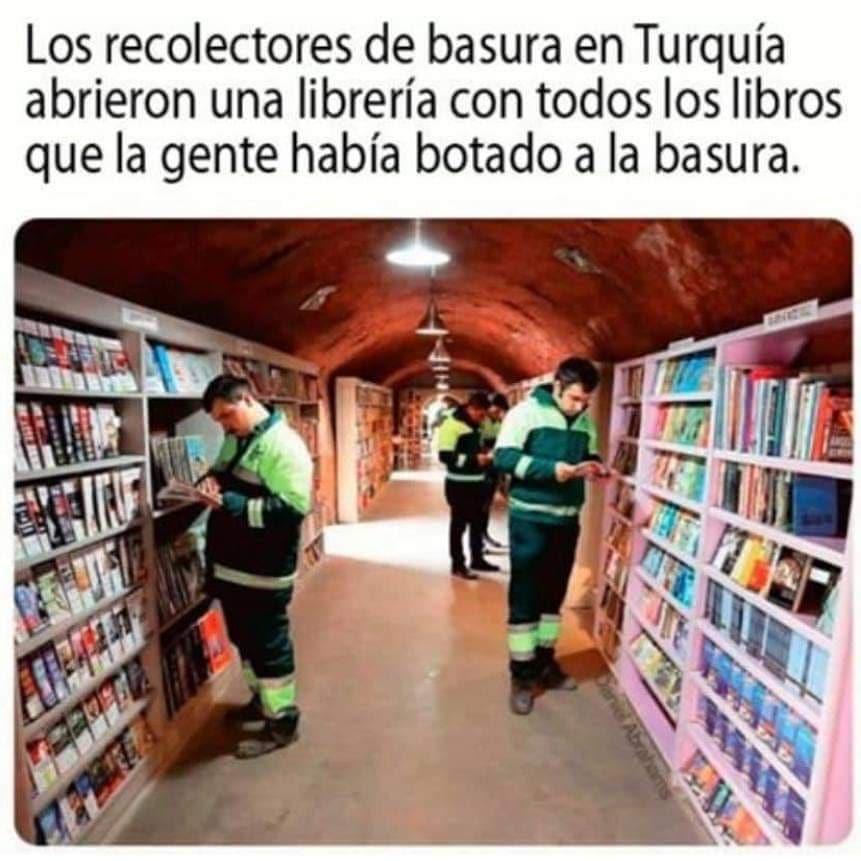 Los recolectores de basura en Turquía abrieron una librería con todos los libros que la gente había botado a la basura.