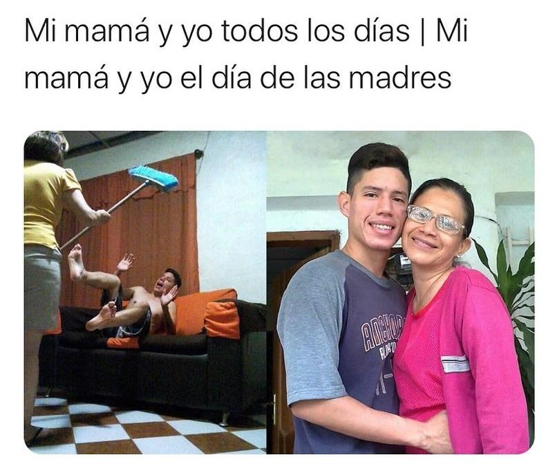 Mi mamá y yo todos los días. // Mi mamá y yo el día de las madres.