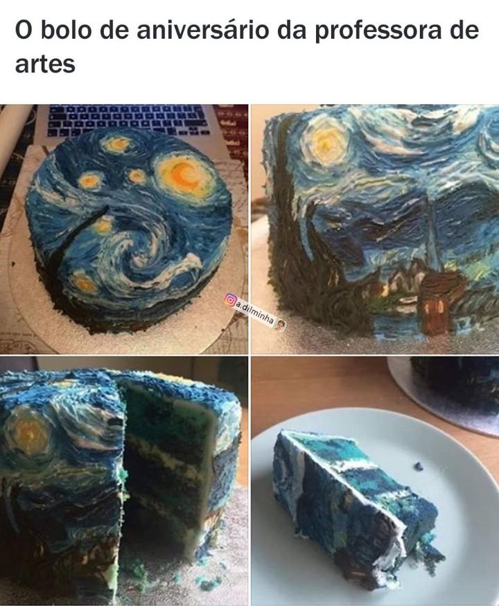 O bolo de aniversário da professora de artes.