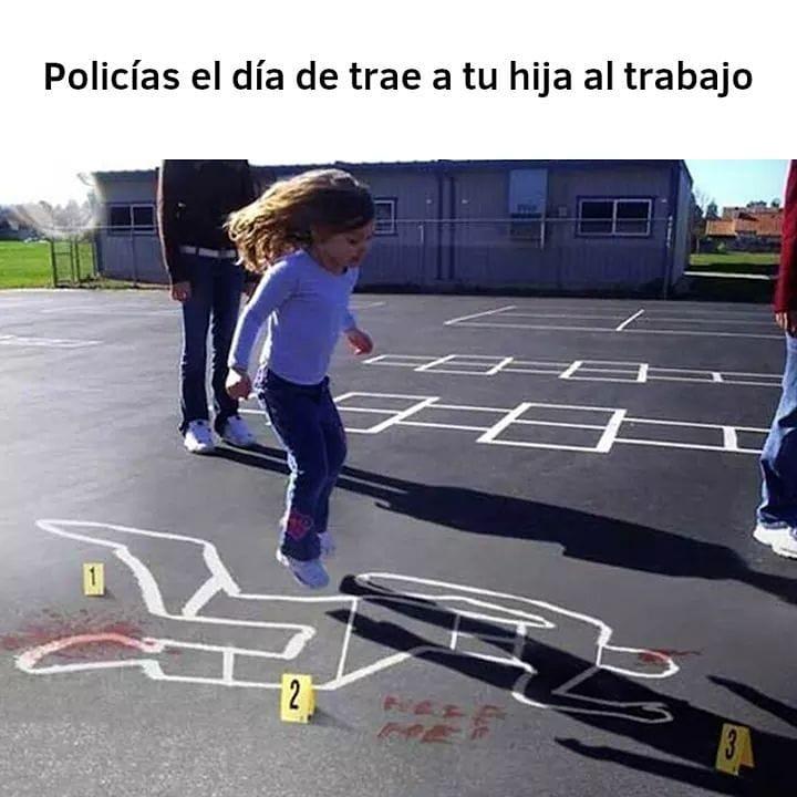 Policías el día de trae a tu hija al trabajo.