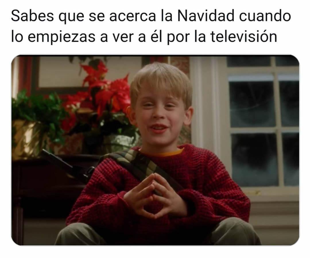 Sabes que se acerca la Navidad cuando lo empiezas a ver a él por la televisión.