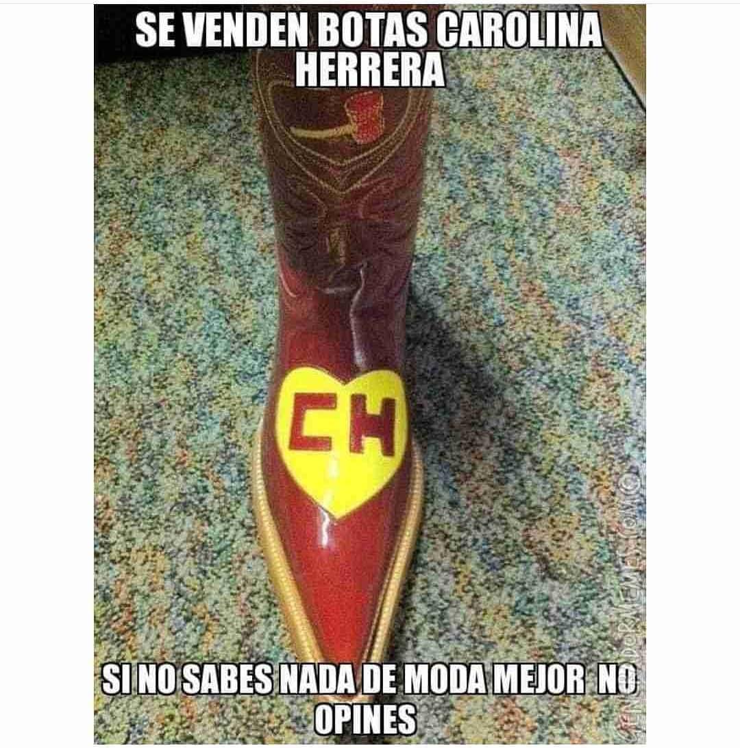 Se venden botas Carolina Herrera.  Si no sabes nada de moda mejor no opines.