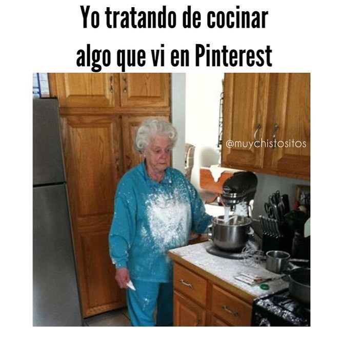 Yo tratando de cocinar algo que vi en Pinterest.